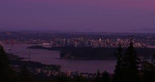 Промежуток времени захода солнца города Ванкувера, света города на ноче сток-видео