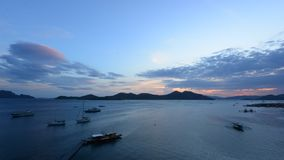 Промежуток времени захода солнца над островом Coron акции видеоматериалы