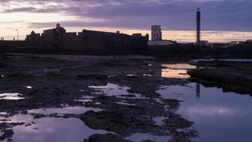 Промежуток времени Кадиса Испании маяка Sebastian Святого акции видеоматериалы