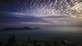 Промежуток времени: Красивый восход солнца на холме в Perlis Малайзии сток-видео