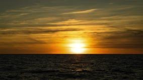 Промежуток времени ландшафта захода солнца сток-видео