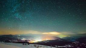 Промежуток времени млечного пути в прикарпатских горах сток-видео