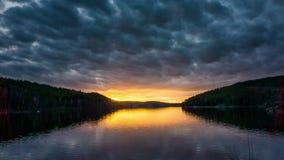 Промежуток времени на шведском озере Agelsjon Norrkoping сток-видео