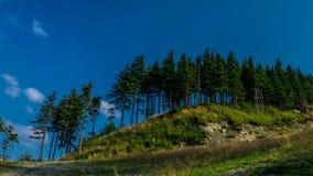 Промежуток времени - облака над горами Beskid сток-видео