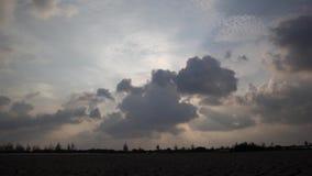 Промежуток времени облаков шторма двигая быстро видеоматериал