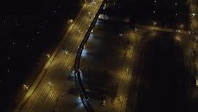 Промежуток времени Россия панорамы кольцевой дороги городского транспорта Москвы света ночи неба захода солнца воздушный видеоматериал