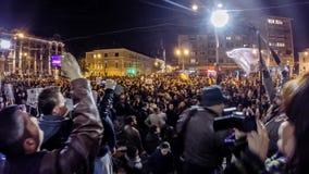 Промежуток времени румын протестуя против премьер-министра Виктора Ponta Румынии сток-видео
