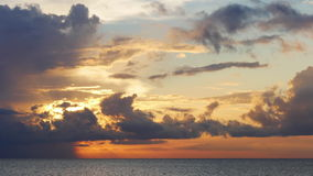 Промежуток времени США озера 4k Флориды неба захода солнца летнего дня сток-видео