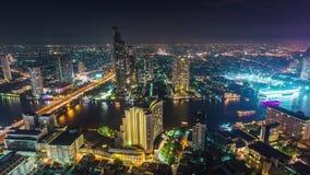 Промежуток времени Таиланд панорамы 4k движения залива Бангкока верхней части крыши освещения ночи видеоматериал