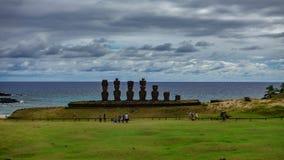 Промежуток времени Ahu Nau Nau в пляже Anakena, Rapa Nui акции видеоматериалы