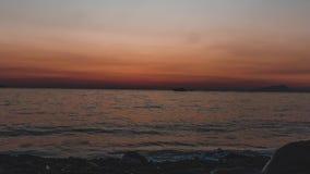 Промежуток времени, timelapse, красивый красочный заход солнца на солнце моря светя Панорамный вид Перемещение outdoors мира крас видеоматериал