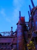 Промышленная сталь штабелирует заржаветый и красочный с течением времени в PA Вифлеема на летний день Стоковое фото RF
