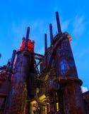Промышленная сталь штабелирует заржаветый и красочный с течением времени в PA Вифлеема на летний день Стоковое Изображение RF