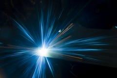 Промышленное вырезывание лазера обрабатывая технологию изготовления материала металлического листа плоского листа стального с иск стоковая фотография