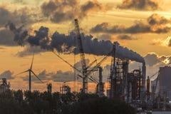 Промышленное загрязнение - Роттердам Стоковые Фотографии RF
