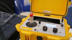 Промышленное оборудование на выставке технологии - портативная машинка тарировки шейкера взрывозащищенная видеоматериал