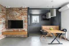 Промышленный интерьер дома стиля стоковые фото