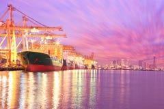 Промышленный корабль перевозки груза контейнера Стоковые Изображения RF