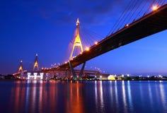 Промышленный мост круга на ноче в Бангкок Стоковые Фото