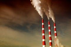 промышленный стог дыма Стоковое Изображение
