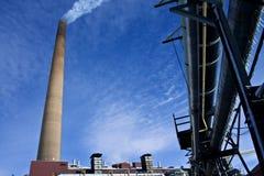 Промышленный стог на заводе никеля Стоковая Фотография