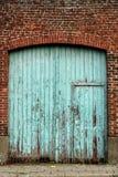 Промышленная дверь в голубых цветах Стоковое Изображение RF