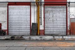 Промышленная дверь фабрики Стоковое фото RF
