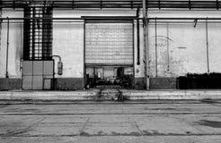 Промышленная дверь фабрики Стоковое Фото