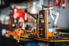 Промышленная машина оборудования гибочного устройства для гнуть трубы металла Sele Стоковая Фотография RF