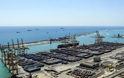 Промышленная пристань, гавань с контейнерами, доставка перевозки - гавань Барселоны Стоковые Изображения