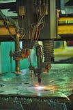 Промышленное вырезывание лазера стоковая фотография rf