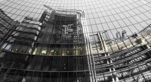 Промышленное отражение здания Лондона Стоковая Фотография