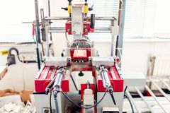 Промышленное сверля машинное оборудование с режимами автоматического управления стоковое изображение rf