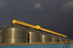Промышленные зернохранилища Стоковая Фотография