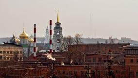 Промышленные и религиозные здания в Туле, России Стоковое Фото