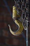 Промышленные крюк и цепи склада стоковое изображение rf