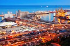 Промышленный порт de Барселона в ноче Стоковое Изображение