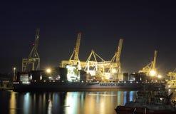 Промышленный порт Koper в Словении на ноче Стоковые Изображения RF