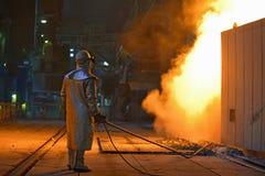 Промышленный рабочий сталелитейной промышленности стоковое фото rf