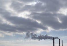 Промышленный дым печной трубы Стоковое Изображение RF