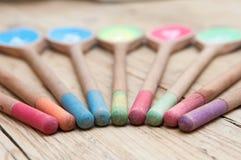 Пронумерованные деревянные ложки в последовательности для предпосылки меню кафа Стоковые Изображения