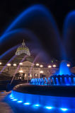 Прописная вертикаль фонтана Стоковые Изображения