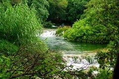 пропуская река Стоковая Фотография