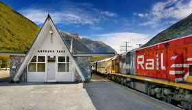 Пропуск Артура, поезд рельса кивиа, Новая Зеландия Стоковое фото RF