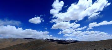 пропуск панорамы kunlun стоковые изображения rf