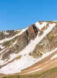 Пропуск Beartooth Пики гор Beartooth, Вайоминга, США стоковое изображение rf