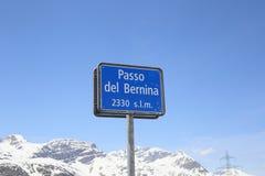 Пропуск Bernina, высокая высокогорная дорога стоковые фотографии rf