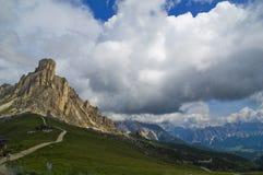 Пропуск Giau, Cortina d'Ampezzo, Беллуно, Италия Стоковое фото RF