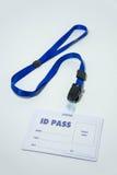 Пропуск ID, используемый для показа состояния или идентичности имени стоковое изображение rf
