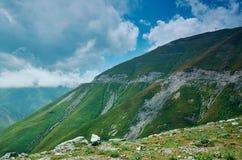 Пропуск Kaldama дороги горы стоковое изображение rf